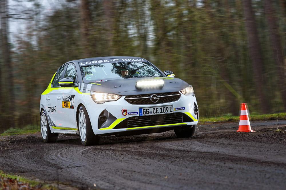 foto ADAC Opel e-rally cup mit corsa-e