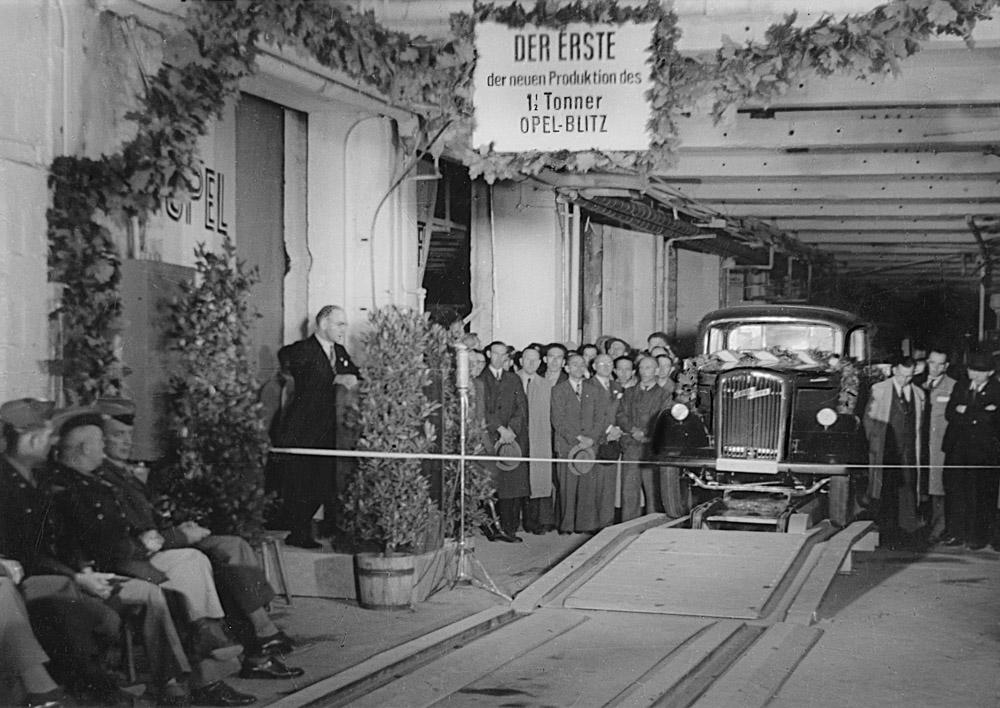 foto der erste opel blitz lkw transporter nutzfahrzeuge
