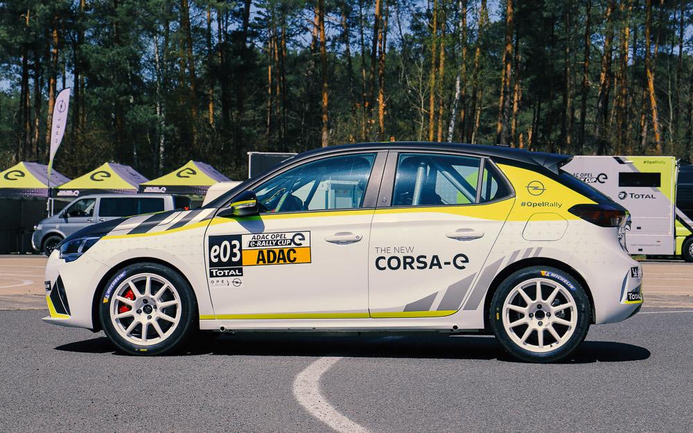 foto opel corsa-e rally cup fahrzeug saison 2021 auslieferung